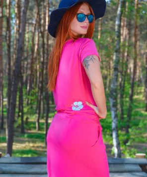Różowa, letnia sukienka dla kobiet