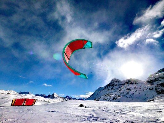 Nadine Stippler Snowkiting Bernina