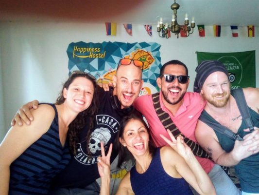 Kitesurf Happiness Hostel Crew and Hospedes in Riohacha