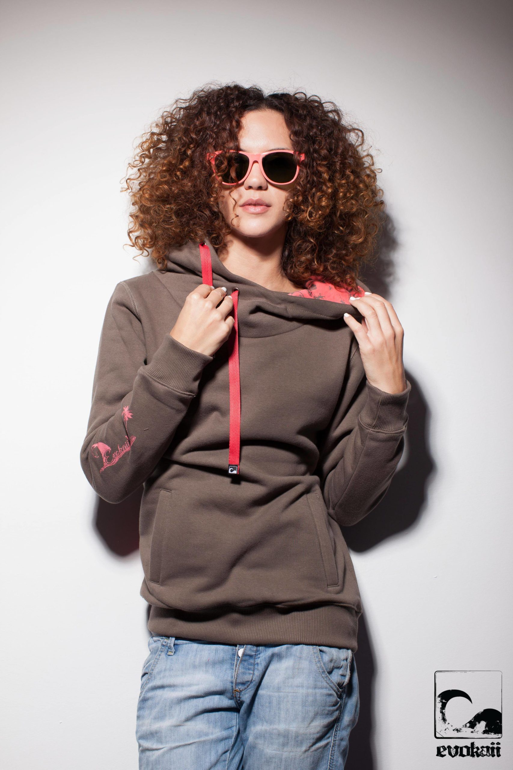 Kitesurf Big Hood Fashion Model Shot Front Colour Brown