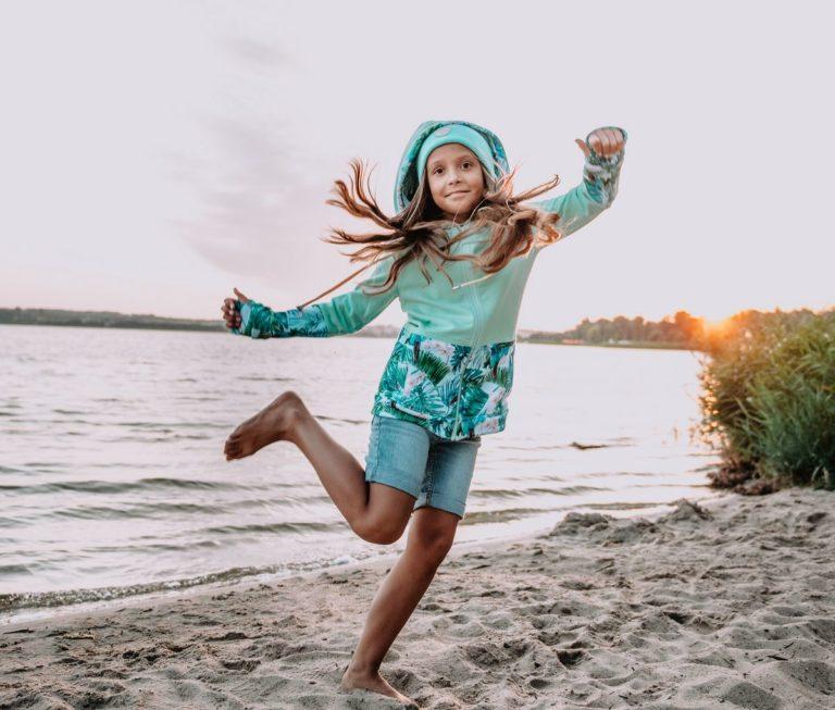 Dziecięca Bluza z kapturem na suwak Candy - Tourquise Delight przód2